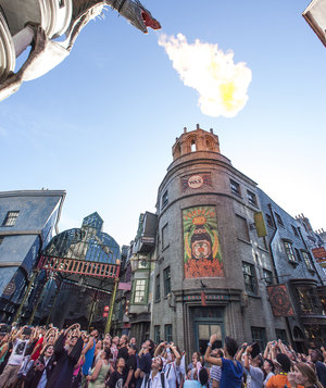 Real Simple | The 8 Genius Hacks You Need to Know Before Visiting Harry Potter World